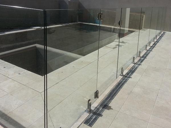 Glass (5)1